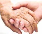 Comment assurer la sécurité d'un senior à la maison ?