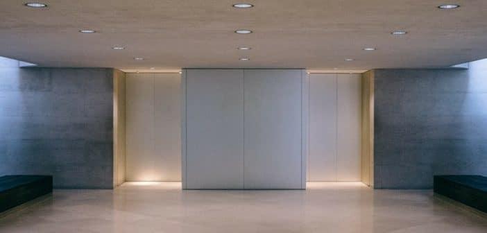 Comment s'appelle la phobie des ascenseurs ?