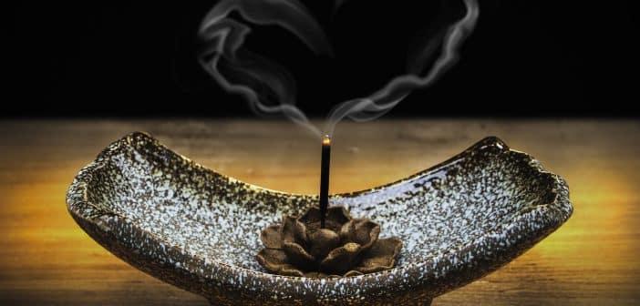 Quelles sont les vertus des encens indiens ?